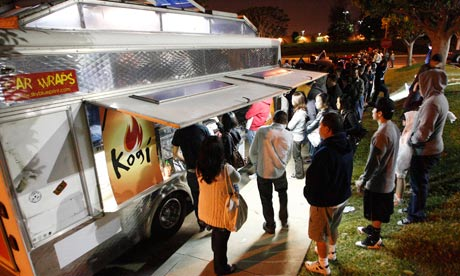 Queues-at-a-Kogi-taco-tru-006